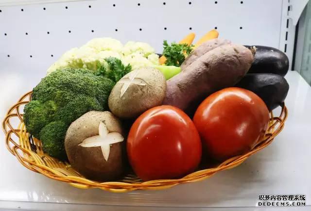 吃一顿蔬食,怀一刻粟心。是时候忘记烦恼,用身心一同感受绿意!