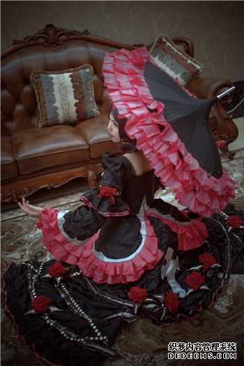 【cosplay美图】哥特与玫瑰,黑暗与浪漫――《王者荣耀》露娜
