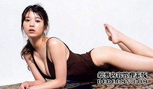 11区F杯大胸女神最新写真 大长腿+微露酥胸热血澎湃
